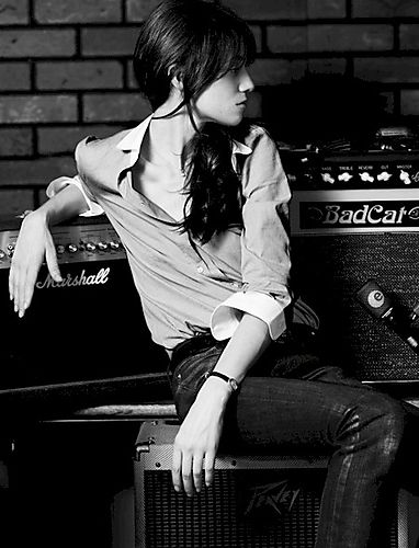 charlotte gainsbourg at the bell house â€